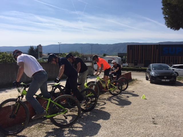 Stage Pédagogique d'apprentissage du VAE - Maîtriser l'équilibre du vélo face à un obstacle