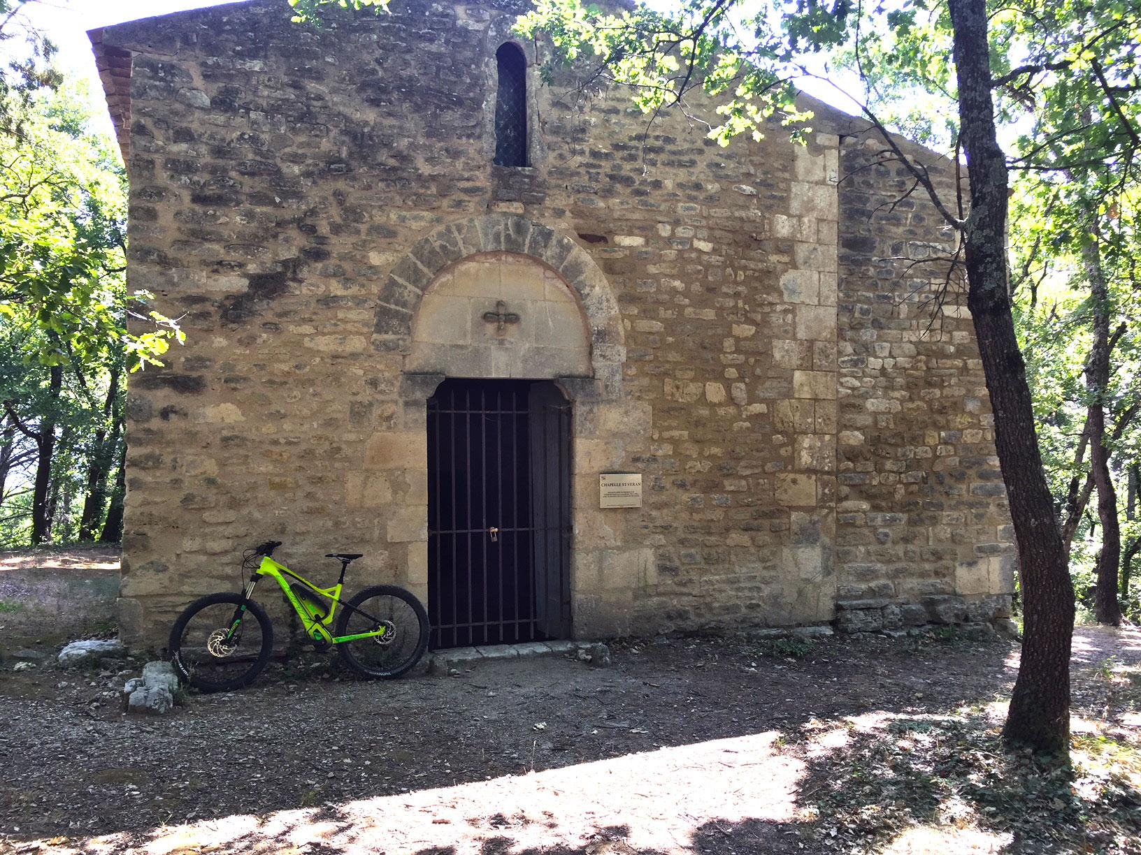 Chapelle de Saint Véran à Lacoste, édifiée au Xe siècle
